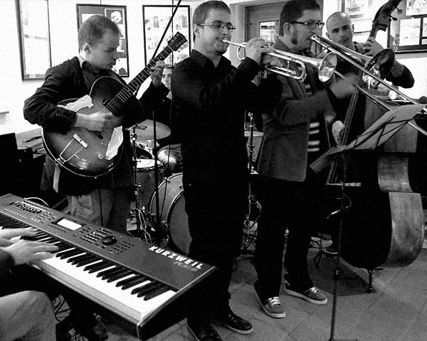 kontrabas jazz glasbena šola